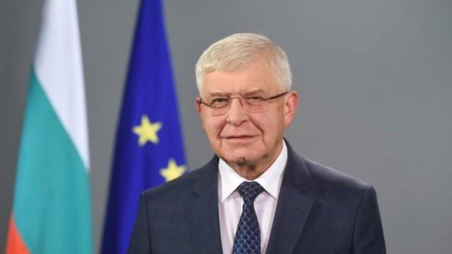 Обрат! Кирил Ананиев отмени заповедта си за забрана за влизането и преминаването на камиони през България за Турция