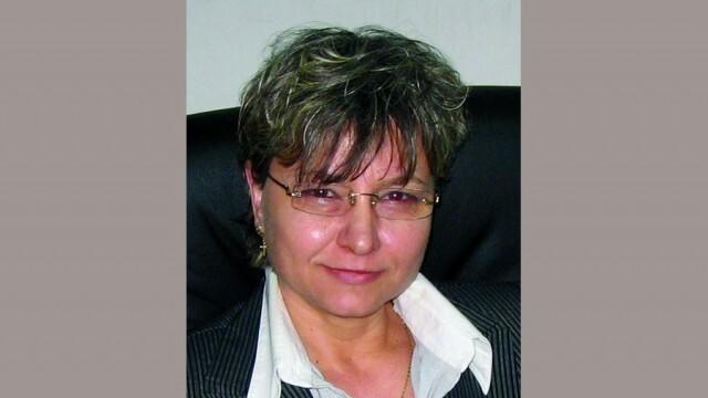 Поля Цоновска, кмет на община Долна Митрополия: Нека светлината на Възкресението да достигне до умовете ни