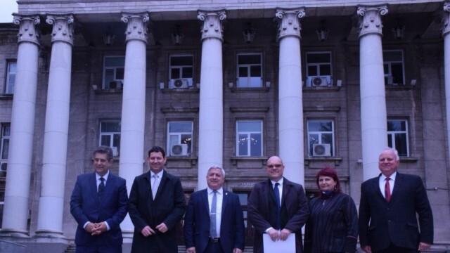 Русенският университет посрещна посланиците на Словения, Словакия и Кипър