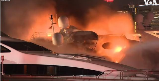 Изгоря луксозна яхта за 7 млн. долара на певеца Марк Антъни (Видео)