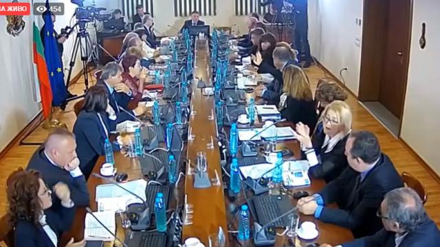 Висшият съдебен съвет отказа да спре процедурата по избор на Иван Гешев за главен прокурор