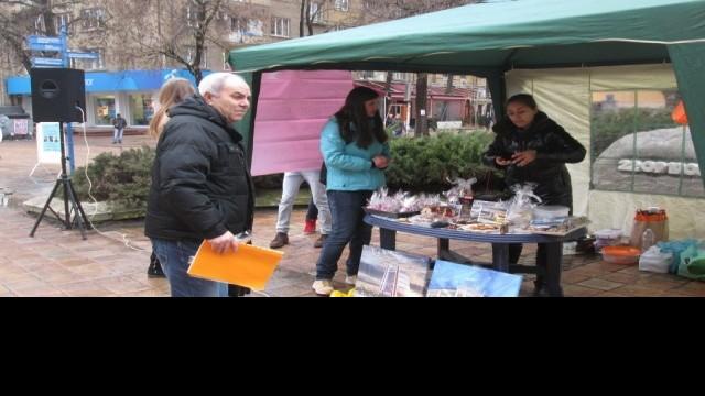 Благотворителен базар събира средства за лечението на Никола