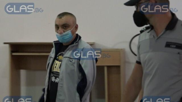 След 8 години невинен в затвора: Пуснаха на свобода едноръкия музикант от с. Куцина! (ВИДЕО)