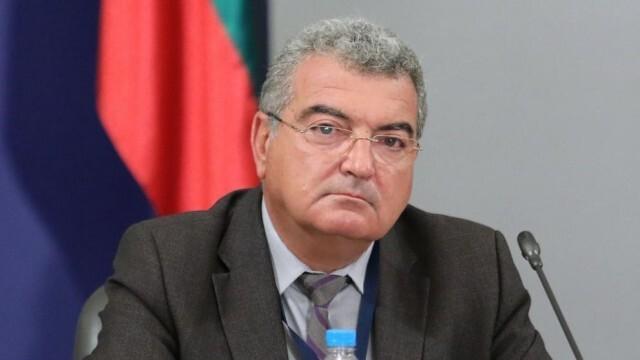 Шефът на столичната РЗИ подаде оставка, здравният министър я прие