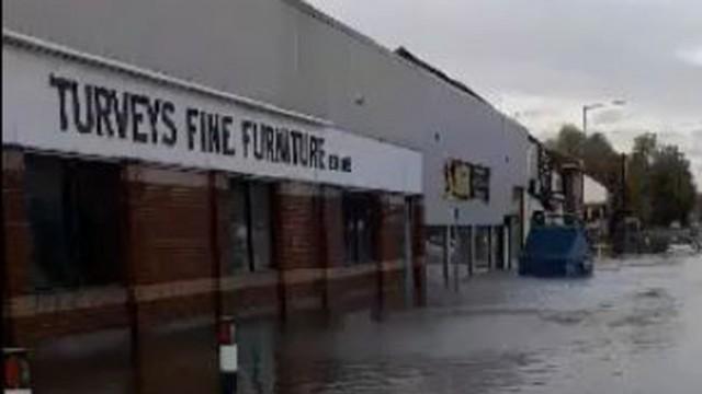 Финансова помощ за пострадалите от наводнението в Южна Йоркшъ