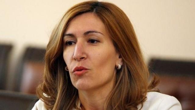 Ангелкова: За всички пътувания до 5 държави може да се иска възстановяване на сумите