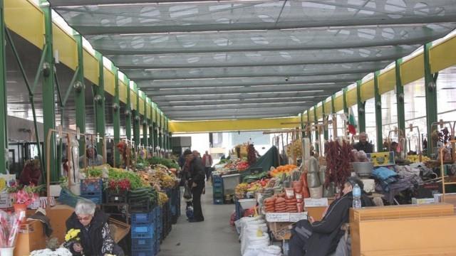 Търговските вериги в Плевен спазват задължителните мерки /снимки/