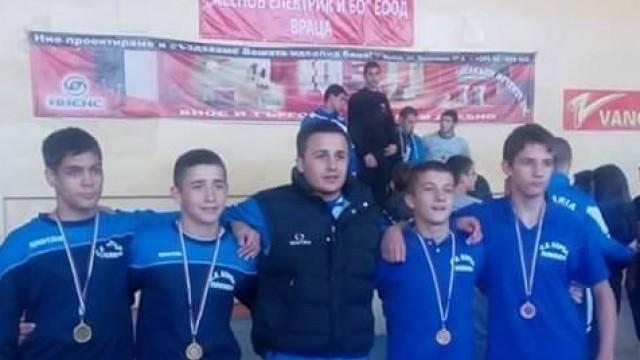 Плевенските борци със злато и сребро от международен турнир