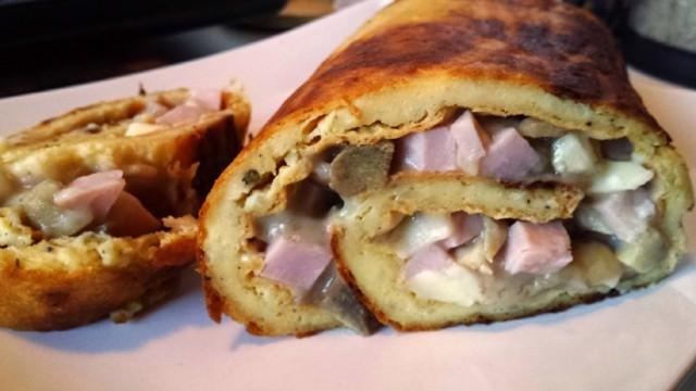 Картофено руло с гъби и шунка