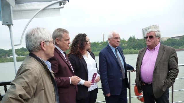 """Коалиция за България в Русе откри предизборната си кампания на борда на кораба """"Русчук"""""""