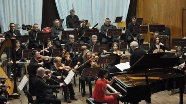 Един невероятен концерт на Плевенската филхармония за 70-годишния юбилей на маестро Пламен Джуров