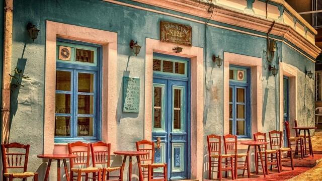 Гърция разхлабва мерките, гражданите излизат навън без СМС