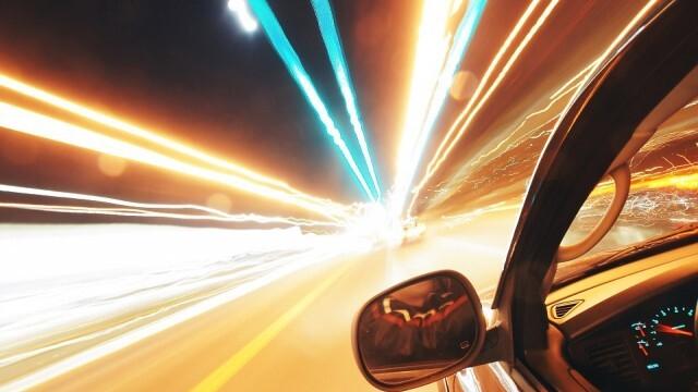 Рекордьор! Водач е засечен да кара с 204 км/ч!