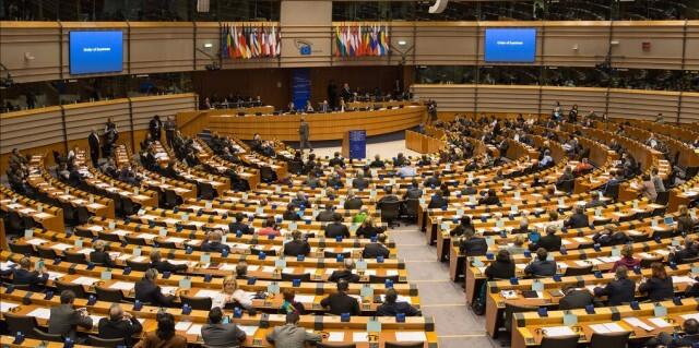 ЕП иска еднополовите бракове да бъдат признати в целия ЕС