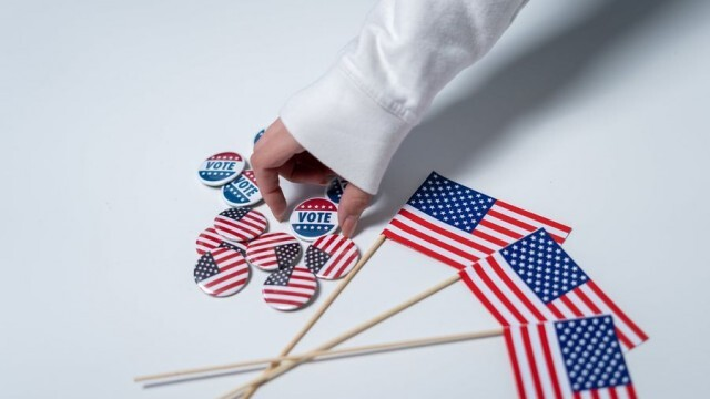На път за родилното бременна американка  гласува в избирателна секция