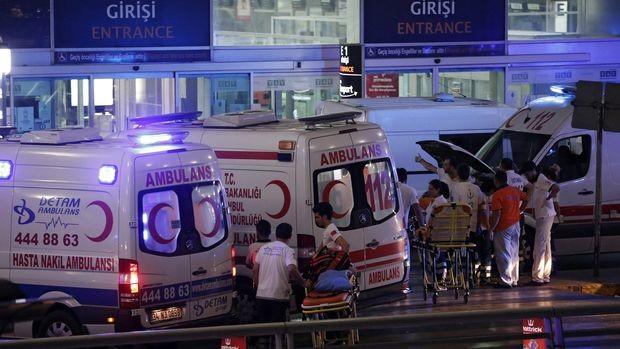 """Най-малко 36 убити и 147 ранени от камикадзетата на летище """"Ататюрк"""""""