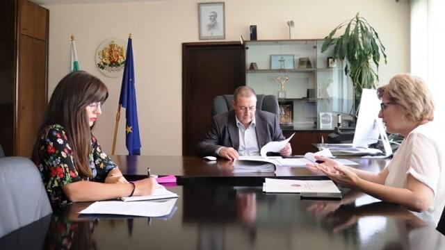КНСБ сезира областния управител за неизплатени заплати във