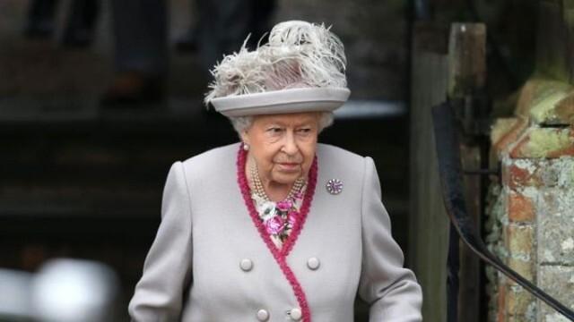 95-годишната кралица Елизабет Втора отказва напълно алкохолa по лекарска препоръка