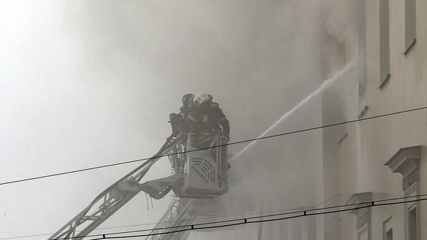 Москва: Военното министерство в пламъци от третия етаж нагоре