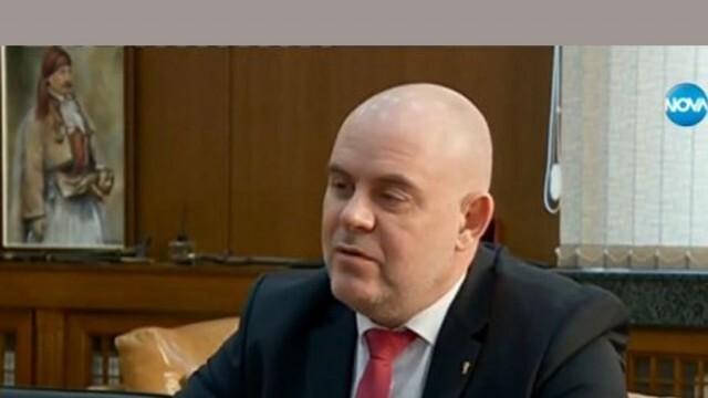 Иван Гешев иска временно отстраняване от длъжност на обвинения в хулиганство прокурор