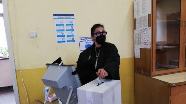 Водачът на листата на ДПС в Плевен Велислава Кръстева: Гласувах за рестарт на държавността