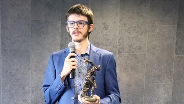 Любимецът на феновете в леката атлетика Венелин Георгиев от Русе получи заслужени награди