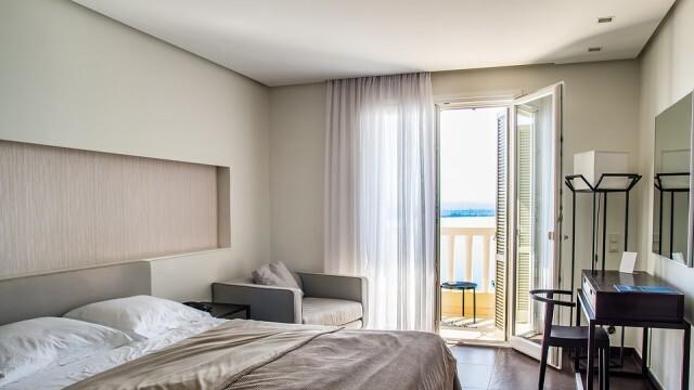 Спад с 40% на нощувките в хотелите през февруари