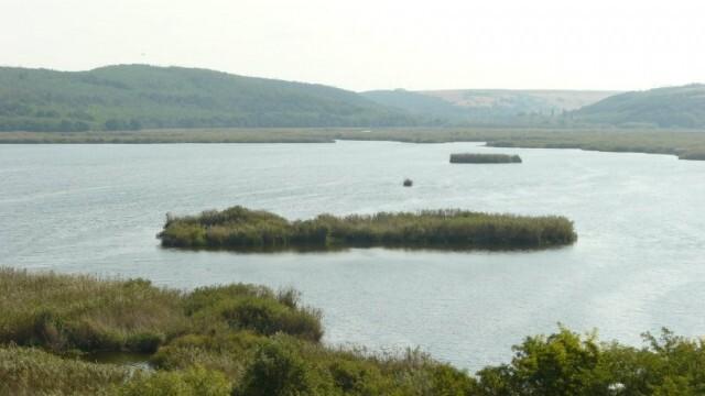 Заловиха трима с хвърлени въдици в езерото Сребърна