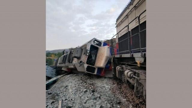 Сблъсък на два товарни влака в Турция, двама са загинали (ВИДЕО)
