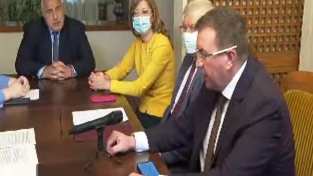 Борисов: Могат да си направят правителство и да си докарат ваксини от Луната