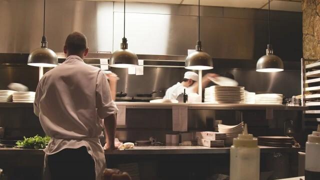 Договорено с бранша: Ресторантите отварят на 1 март