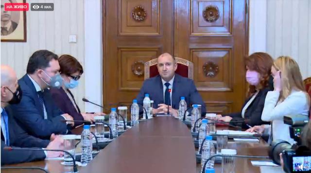 ГЕРБ-СДС обявиха пред президента, че са готови и да управляват, и да са опозиция