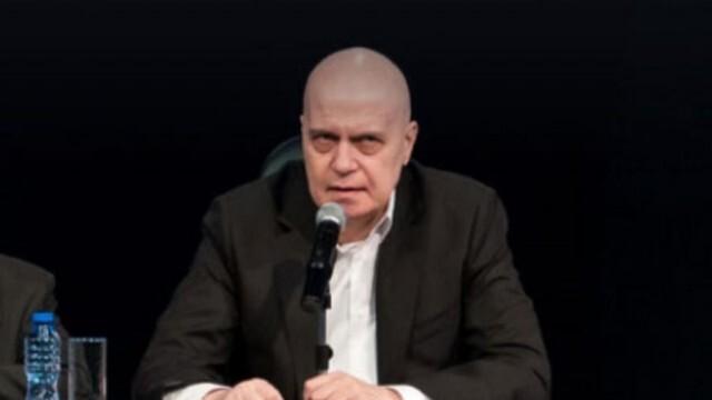 Национални медии срещу Слави Трифонов - обвиниха го в неверни твърдения