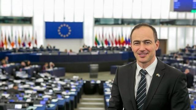 Евродепутат от ГЕРБ: Няма да има ограничения в пътуването заради отказ от ваксинация
