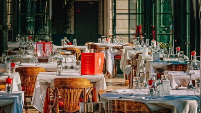 Хотелиери и ресторантьори удариха по масата: Искаме ясна позиция кога ще се затварят и отварят заведения!