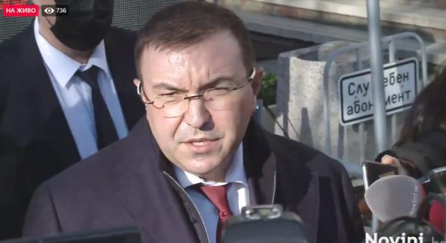 Здравният министър показа първия ваксинационен център срещу COVID-19