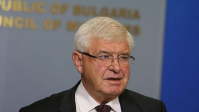 Министър Ананиев: Случилото се в Плевен не отговаря на издадената от мен заповед