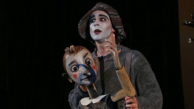 """Кукленият театър представя онлайн спектакъла """"Пинокио"""""""