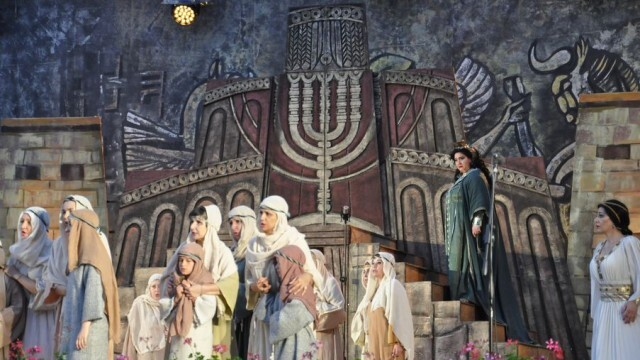 """Звезден спектакъл """"Набуко"""" в Летния театър на Плевен зарадва почитателите на операта"""