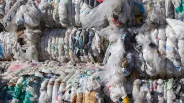 Отново спряха незаконен превоз на отпадъци към площадка в Червен бряг