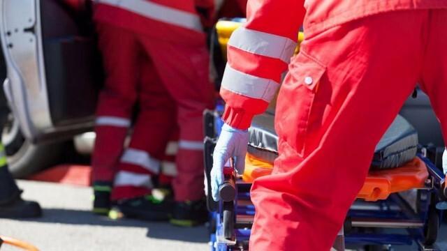 Млад шофьор се блъсна в скат край Бяла, полицаите го открили в болницата