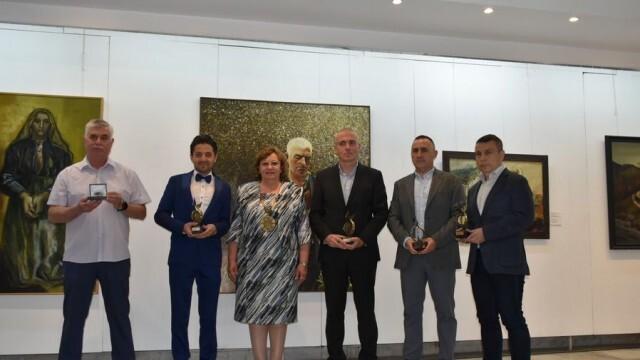 """Община Ловеч връчи ежегодните награди """"Инвеститор на годината"""" и """"Бизнесмен на годината"""""""