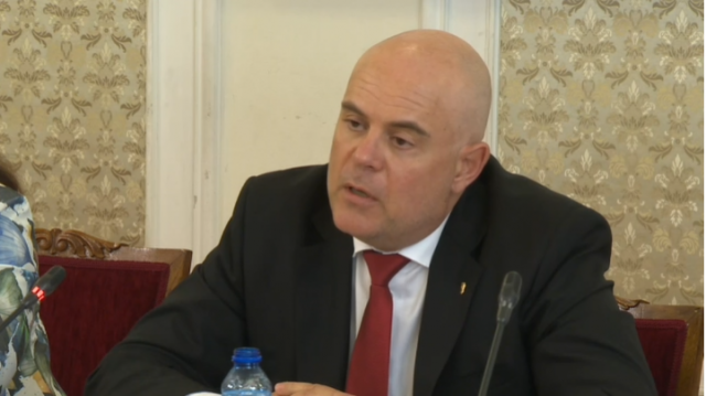 Иван Гешев настоява пред КС собствеността на Бюрото по защита на свидетели да остане в прокуратурата