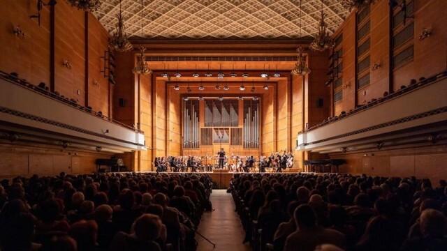 Плевенската филхармония ще излъчи запис на концерт с диригент Йордан Камджалов