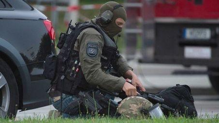 Нападателят в Мюнхен е 18-годишен немски гражданин от ирански произход