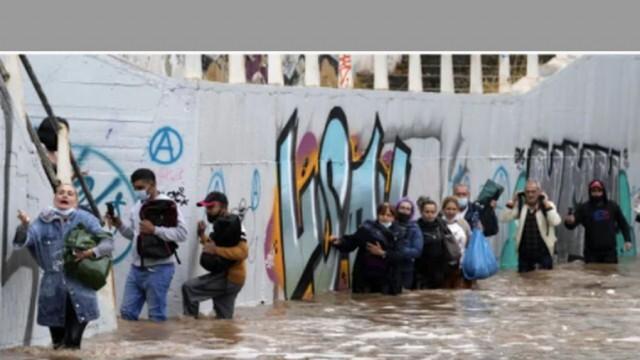 Жестоки наводнения предизвикаха хаос в Гърция (ВИДЕО)