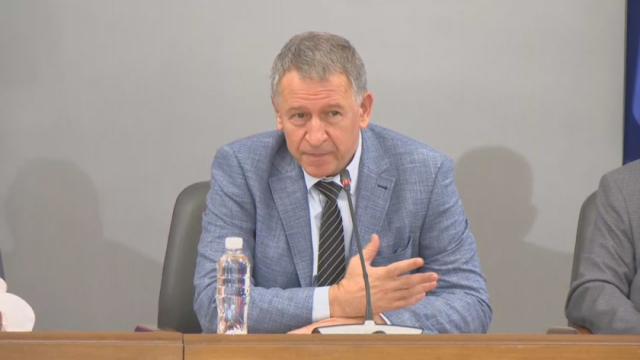 Стойчо Кацаров: Измамно е спокойствието през лятото, да направим национално усилие и да се ваксинираме
