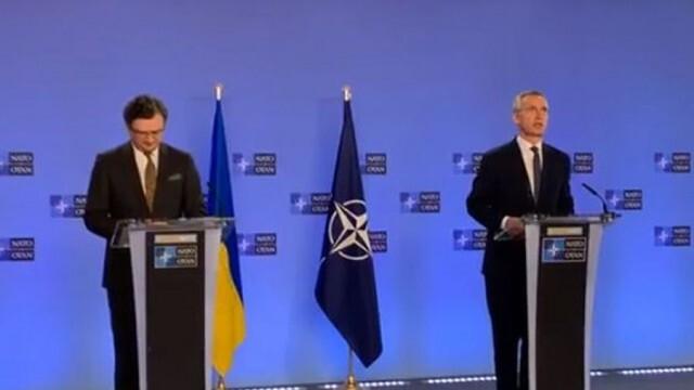 НАТО призова Русия да прекрати струпването на войски на границата с Украйна