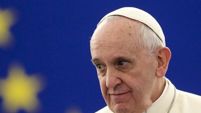 Папа Франциск: Пандемията ни научи колко e лесно да мислим само за себе си