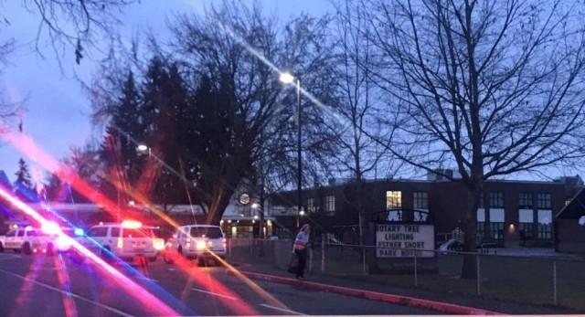 Стрелба в американско училище, има ранени